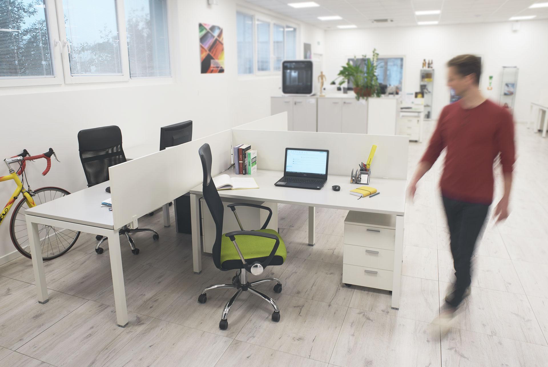 Com'è la Scrivania per Freelance in Open Space alla Fabbrica delle Idee, Maniago